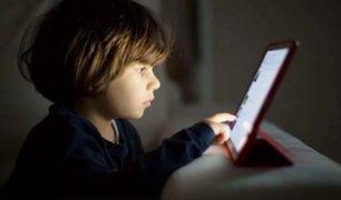 OMS recomienda no exponer a los niños a pantallas de dispositivos electrónicos