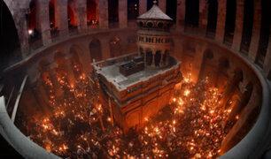 Israel: Santo Sepulcro es iluminado con antorchas en Sábado Santo ortodoxo