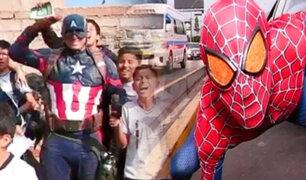 """Ante el éxito mundial del film, los """"Avengers"""" invaden las calles de Lima"""