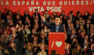 España: Pedro Sánchez gana elecciones y se abre a pactar con partidos políticos