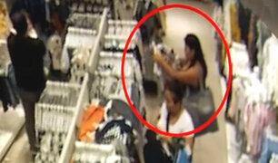 """Videos muestran cómo operaban hermanas """"tenderas"""" en Mega Plaza"""