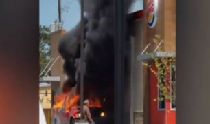 EEUU: camioneta explota en un local de comida rápida