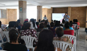 La Victoria: ambulantes reubicados reciben charlas de capacitación