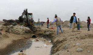 Empresas pesqueras vierten material contaminante a playa Las Fertizas