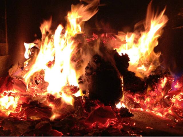 ¿Cómo se reconoce la identidad en los cuerpos quemados?