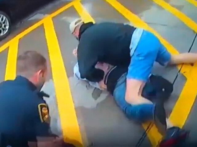 EEUU: invidente salió en defensa de dos policías en apuros