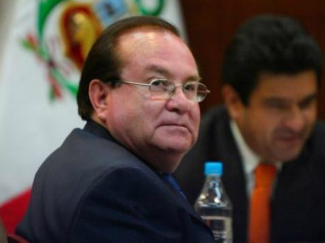 Luis Nava fue internado tras sufrir descompensación