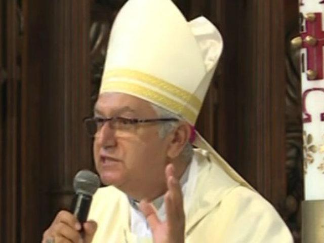 Carlos Castillo ofició su primera misa por Semana Santa
