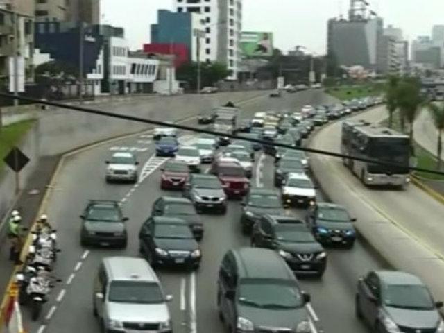 """Inicia restricción vehicular """"Pico y Placa"""" causando tráfico en Panamericana Sur"""