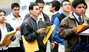 Sancionarán empresas que despidan peruanos para contratar a extranjeros por sueldo menor