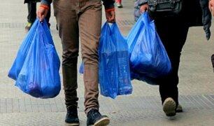 Ciudadanos respaldan medida para reducir el uso de bolsas plásticas en Perú