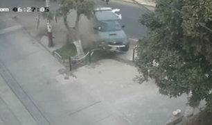 SMP: camioneta fuera de control atropella y mata a tres personas