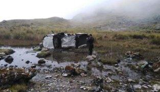 Huancavelica: cuatro muertos deja caída de camioneta a abismo