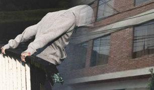 El Agustino: delincuente se lanza desde un segundo piso de vivienda para fugar