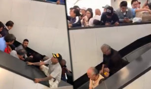 México: pasajeros caen por las escaleras eléctricas en estación de tren
