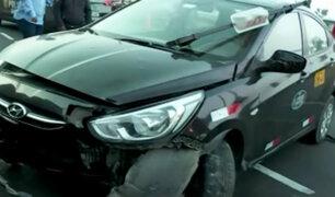 Miraflores: auto se despista y termina volcado por aparente exceso de velocidad