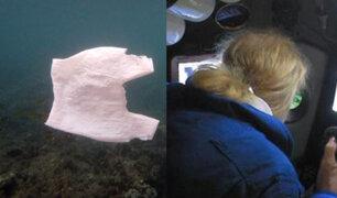 Submarinista halla plástico en el punto más profundo del océano