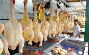 Preocupación por incremento del precio de pollo en mercados de Lima