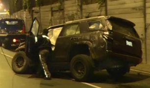 Barranco: camioneta fuera de control derribó poste en la Costa Verde