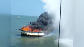 Lambayeque: embarcación artesanal se incendió en el mar de Pimentel