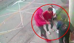 Profesoras son asaltadas en la puerta de colegio inicial