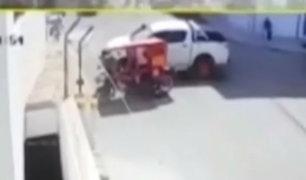 Chiclayo: brutal choque entre mototaxi y camioneta deja varios heridos