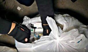 Hombre realiza impresionante hallazgo en basurero de conocida tienda de celulares