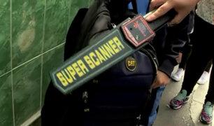 Callao: colegios utilizan detectores de metales para combatir la delincuencia