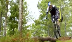 Escocia: el arriesgado paseo extremo de una niña en bicicleta