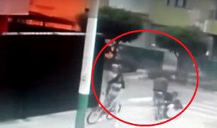 Callao: delincuentes son captados asaltando a dos adolescentes
