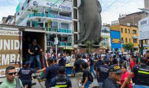 La Victoria: ambulantes arremeten contra fiscalizadores