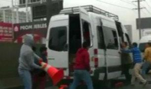 Vándalos atacan vehículo de Sutran en Los Olivos