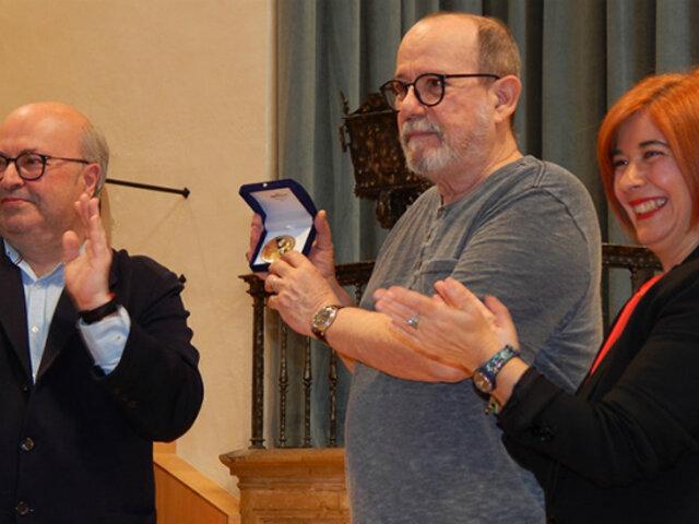 España: cantautor cubano Silvio Rodríguez fue condecorado