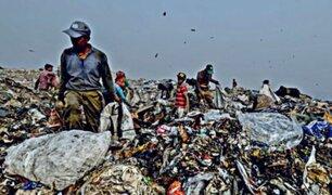 India: montaña de basura podría superar en altura al Taj Mahal