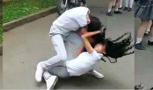 Callao: escolar extranjera es captada peleando fuera de colegio