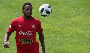 Farfán se muestra alegre durante entrenamiento luego de la victoria ante Costa Rica