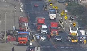 Trujillo: tráiler se despista y deja dos heridos