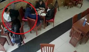 Surquillo: hombre es captado robando cartera en cevichería