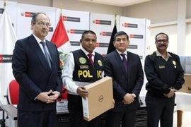 Ministro Morán reconoció a policías por acciones destacadas