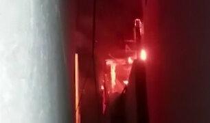 Chorrillos: incendio se registró en taller de accesorios para surfistas