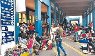 A horas de acabarse el plazo, miles de venezolanos continúan llegando a Tumbes