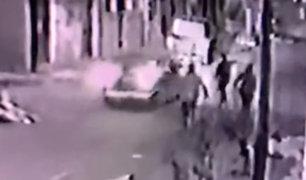 Los Olivos: 'marcas' atropellan a comerciante para robarle