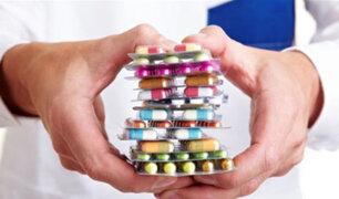 Aprueban decreto de urgencia que garantiza medicamentos genéricos en farmacias