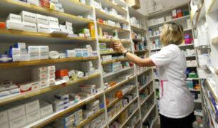 Elegir: Farmacias inducirían a comprar medicamentos de marca para recibir incentivos
