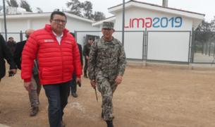 Ministro de Defensa: El mandil rosado no denigra para nada el uniforme militar