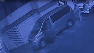Los Olivos: roban miniván en minutos de la puerta de una vivienda