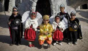 China: Imperio de los Enanos, insólito pueblo es atracción turística del lugar