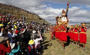 Cusco: recogen toneladas de basura de Sacsayhuamán tras el Inti Raymi