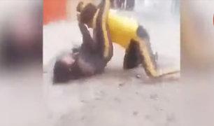 SMP: escolares de 15 años protagonizaron salvaje pelea a la salida del colegio
