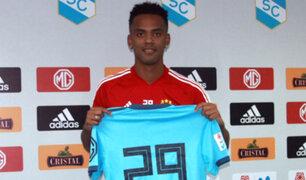Nilson Loyola fue presentado como nuevo refuerzo de Sporting Cristal